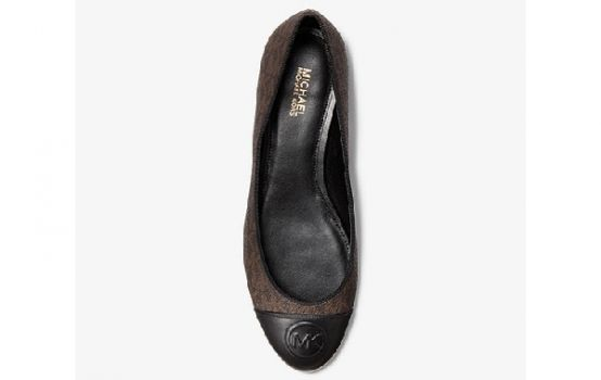 Dylyn Logo and Leather Ballet Flat-03